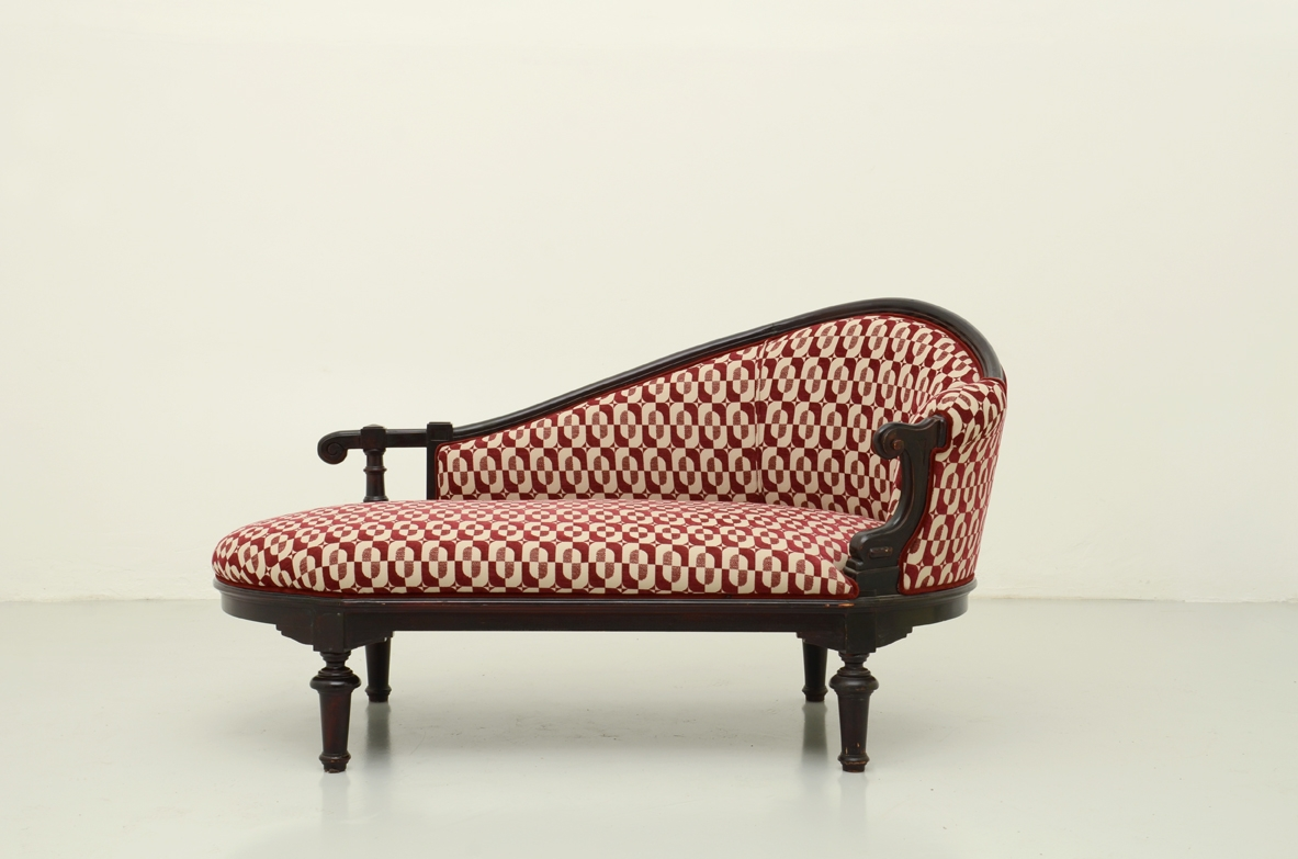 Daybed with ebonized structure and velvet upholstery, Italy 1880's.