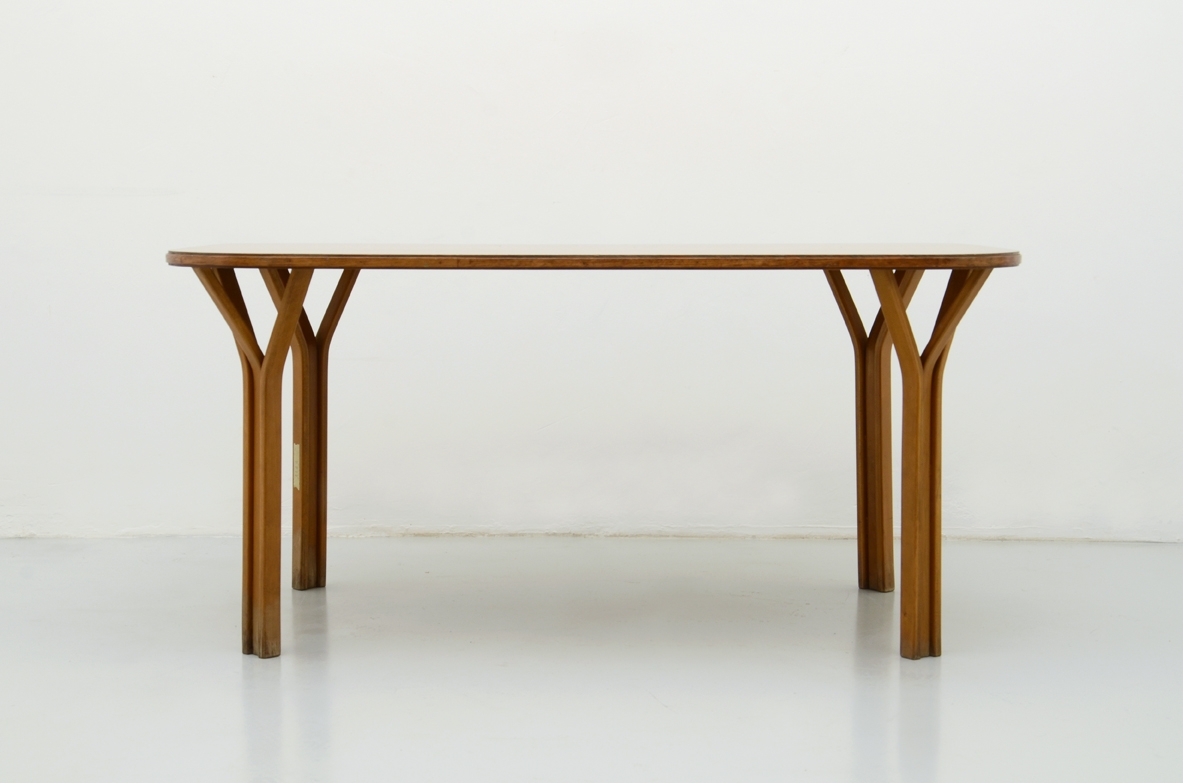 Vittorio Gregotti e Ludovico Meneghetti, pair of tables in oak, 1967.