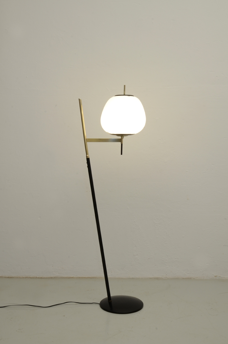 Arredoluce 1950's rare and very refined floorlamp