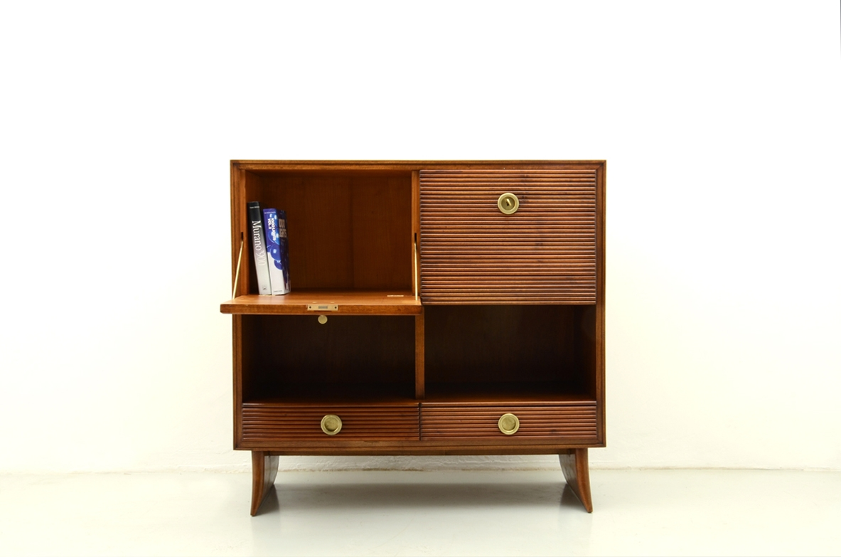 Paolo Buffa, elegant cabinet with grinded wood front, 1930's.