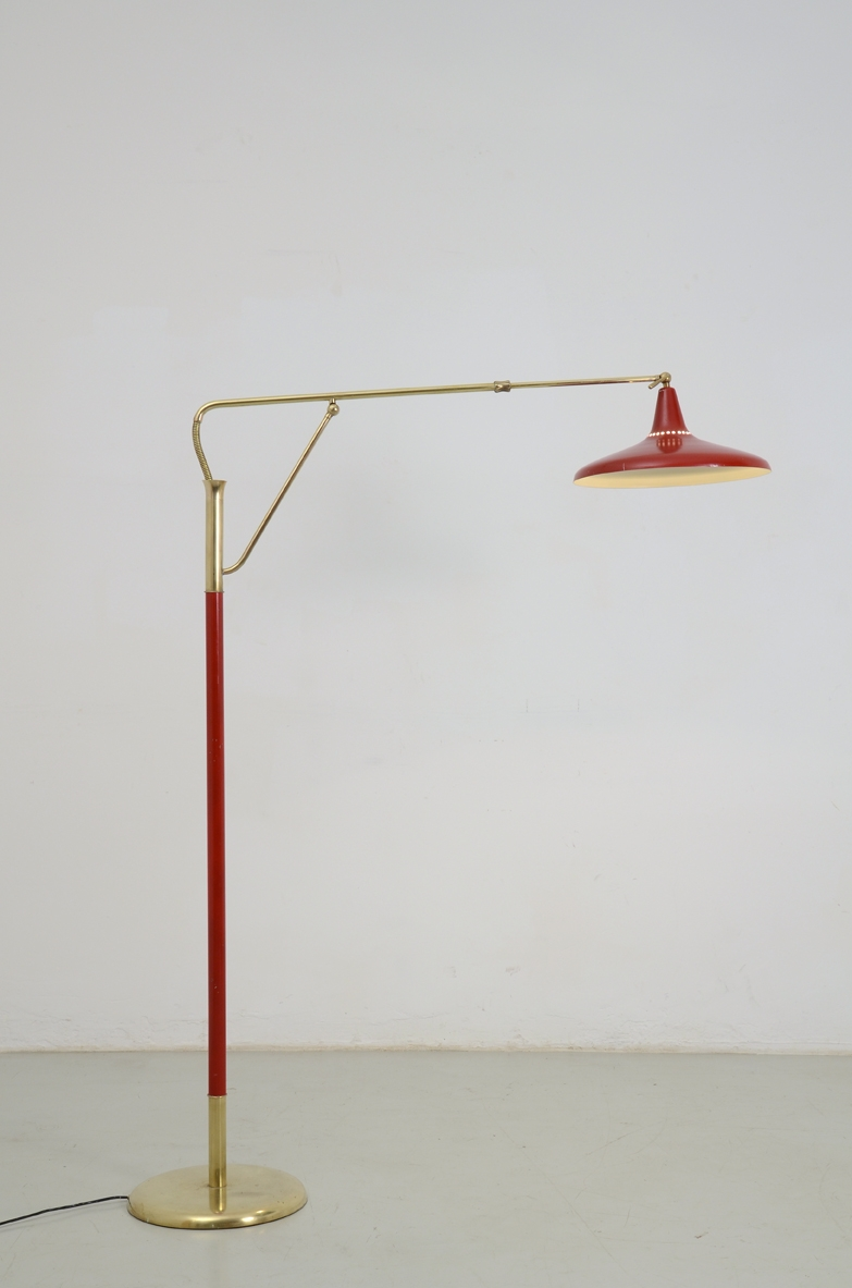 Arredoluce 1950's Italian elegant floor lamp with brass details