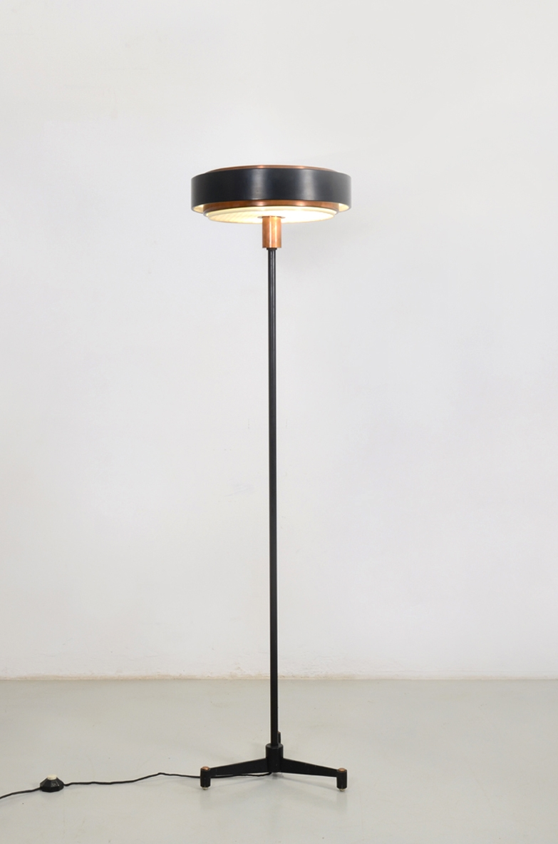 Stilnovo, rare 1960's floorlamp in metal and copper.