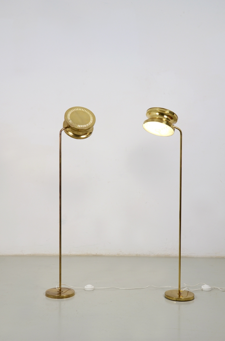 Anders Pherson, two floor lamps in brass model 292, produced by Ateljé Lyktan, Sweden 1960's.
