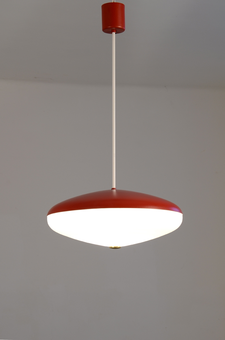 Stilnovo 1950's refined ceiling lamp in painted metal and opaline galss.