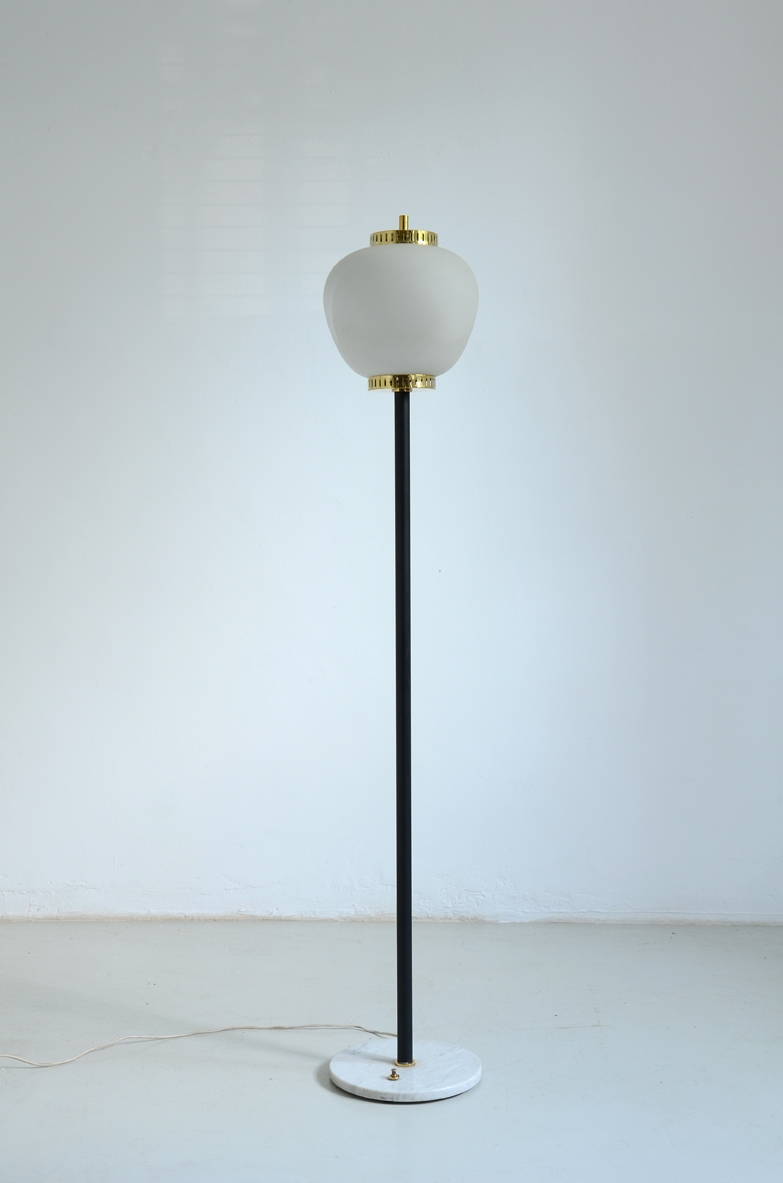 Stilnovo, 1960's floor lamp with marble base.