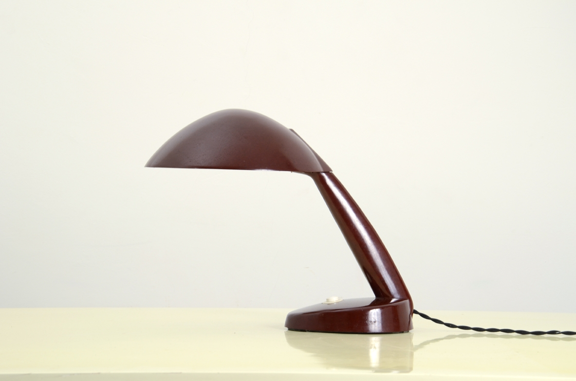 Koerting Mathiesen, rare table lamp in red baquelit, Germany 1930's.