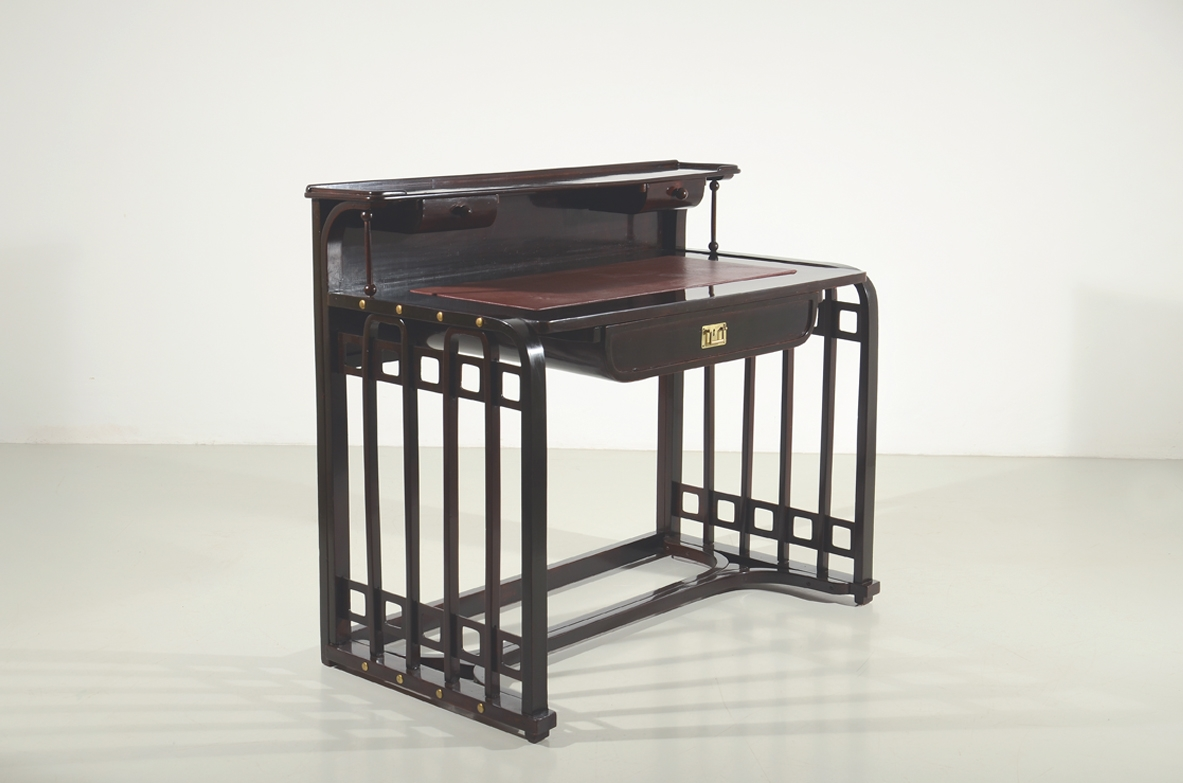 Josef Hoffmann writing table produced by Thonet 1906