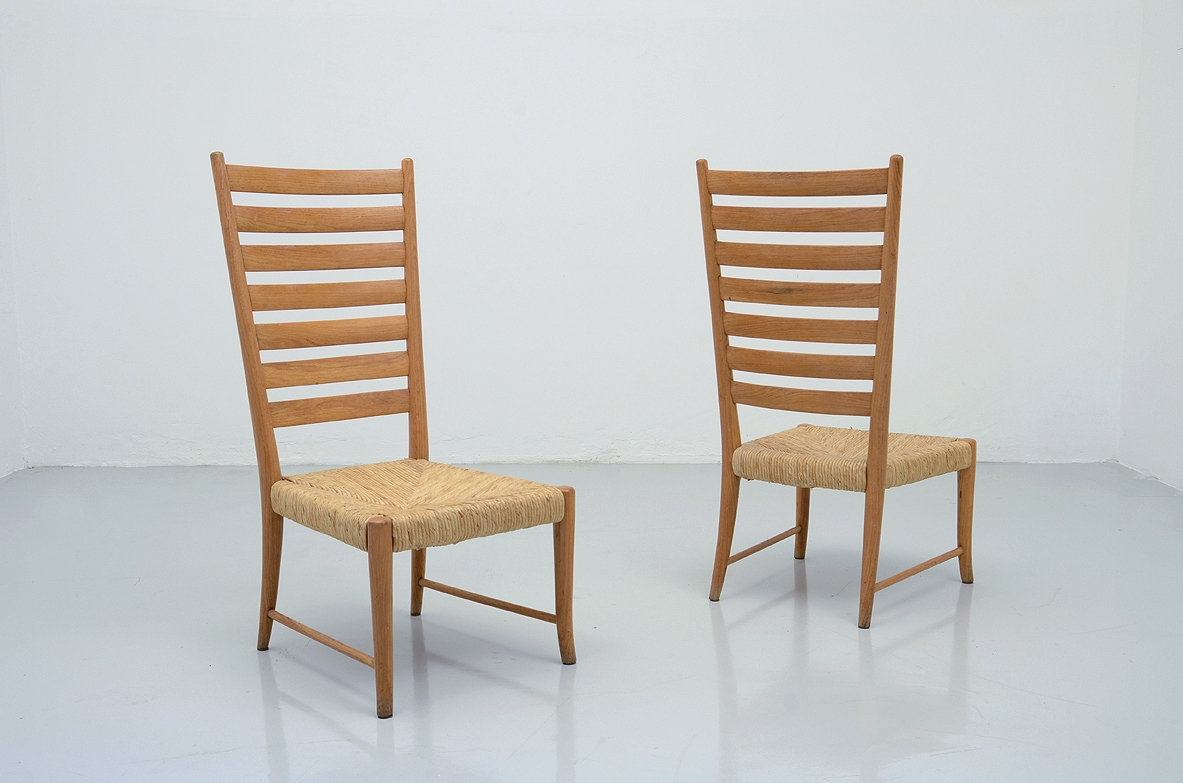 Paolo Buffa, pair of 1950's low chairs in Oak