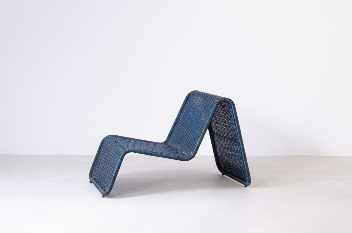 Tito Agnoli for Bonacina, 1960's blue rattan recliner in perfect conditions.
