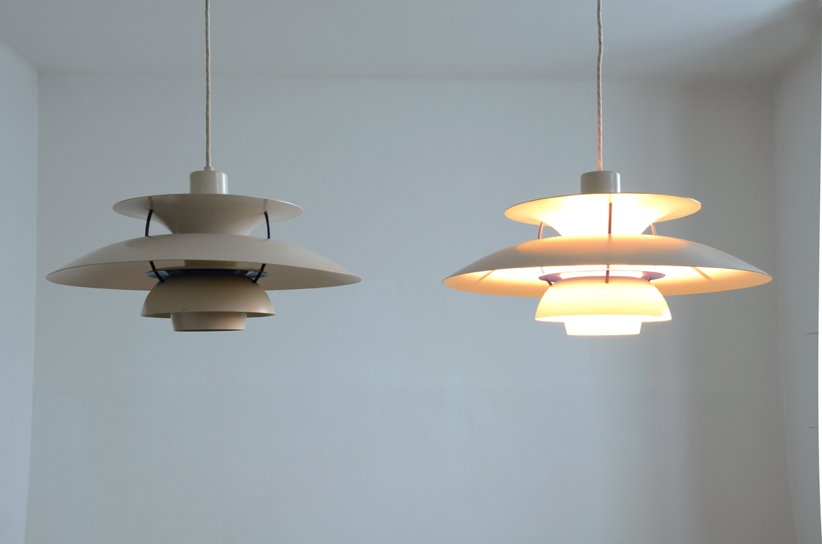 Pair of pendant lamps by Louis Poulsen shop Milan