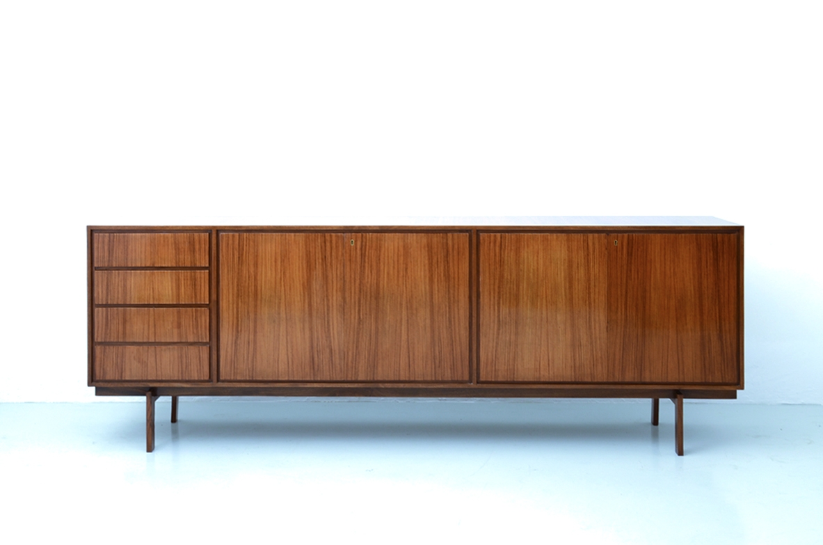 Sideboard in light roosewood, Italy 1960's.