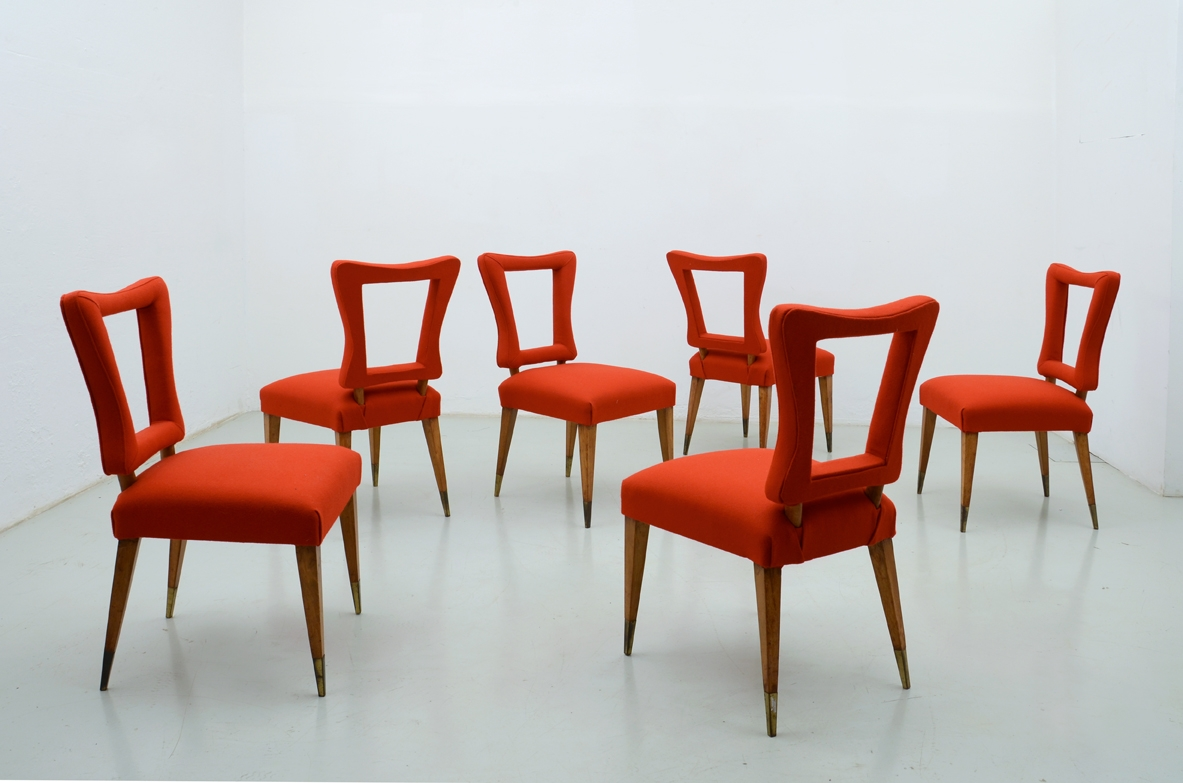 Group of 10 spectacular chairs in walnut and flaming cloth, Italy 1950ca.