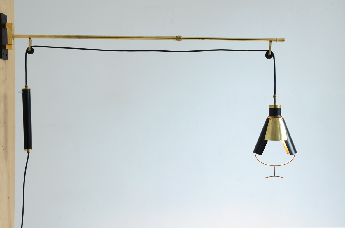 Rare wall lamp in brass