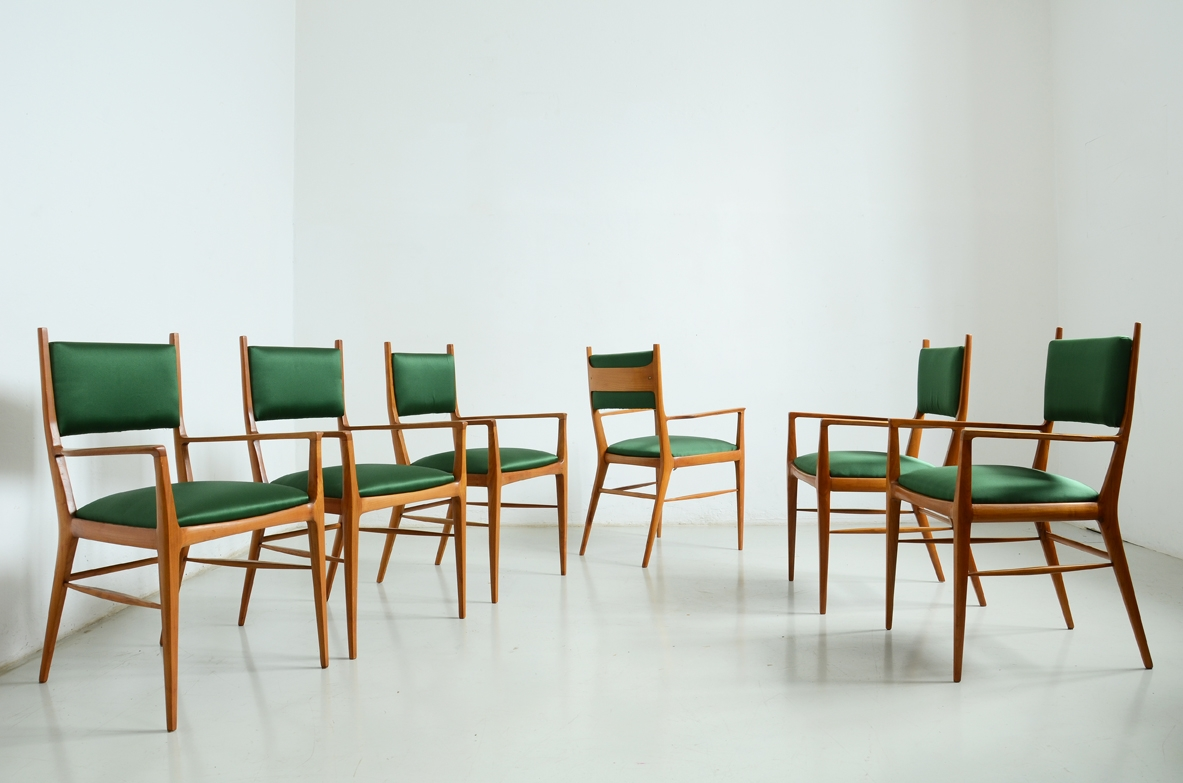 Elegant group of 6 chairs in cherry wood, with satin seat and back, 1950s.