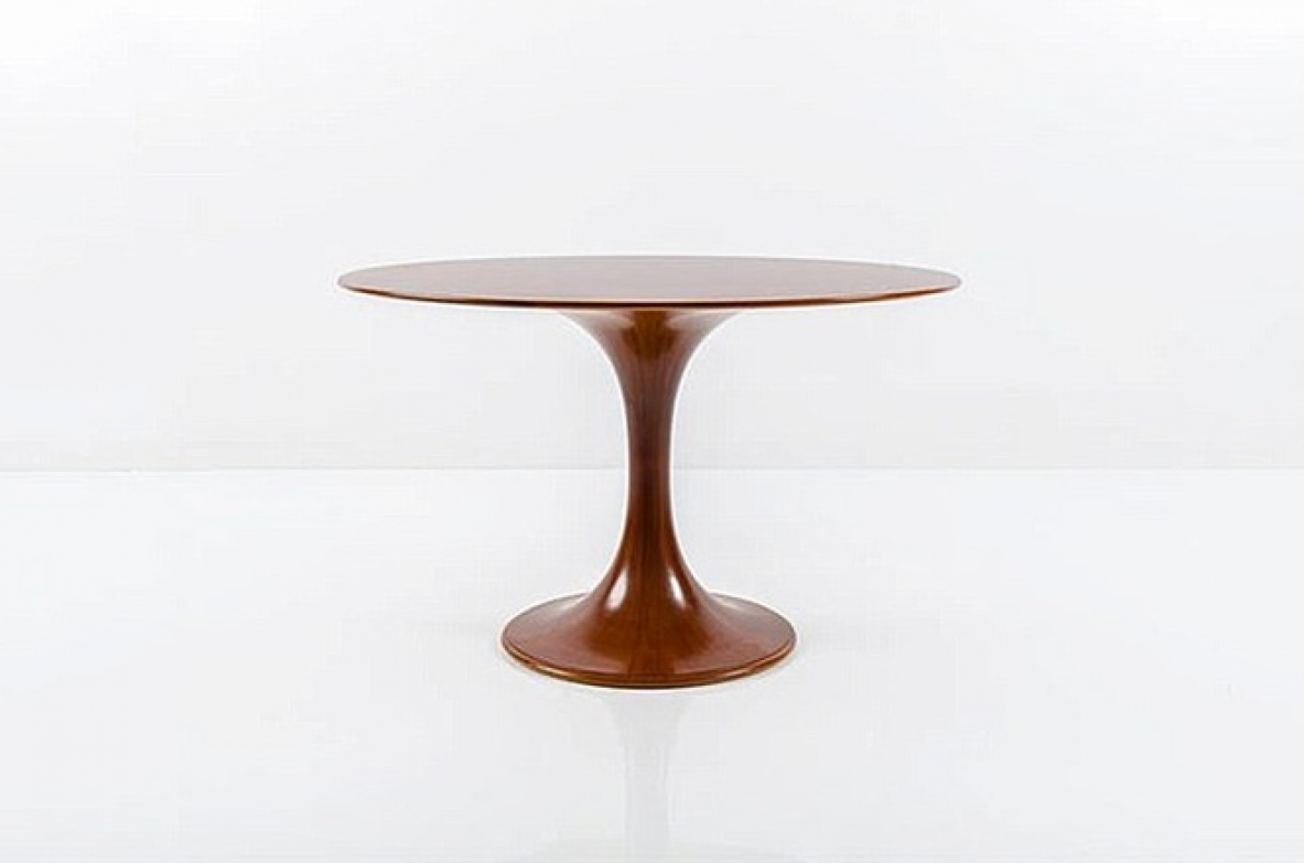 "Luigi Massoni, elegant round table ""Clessidra"" model for furniture. Walnut wood, Italy 1959."