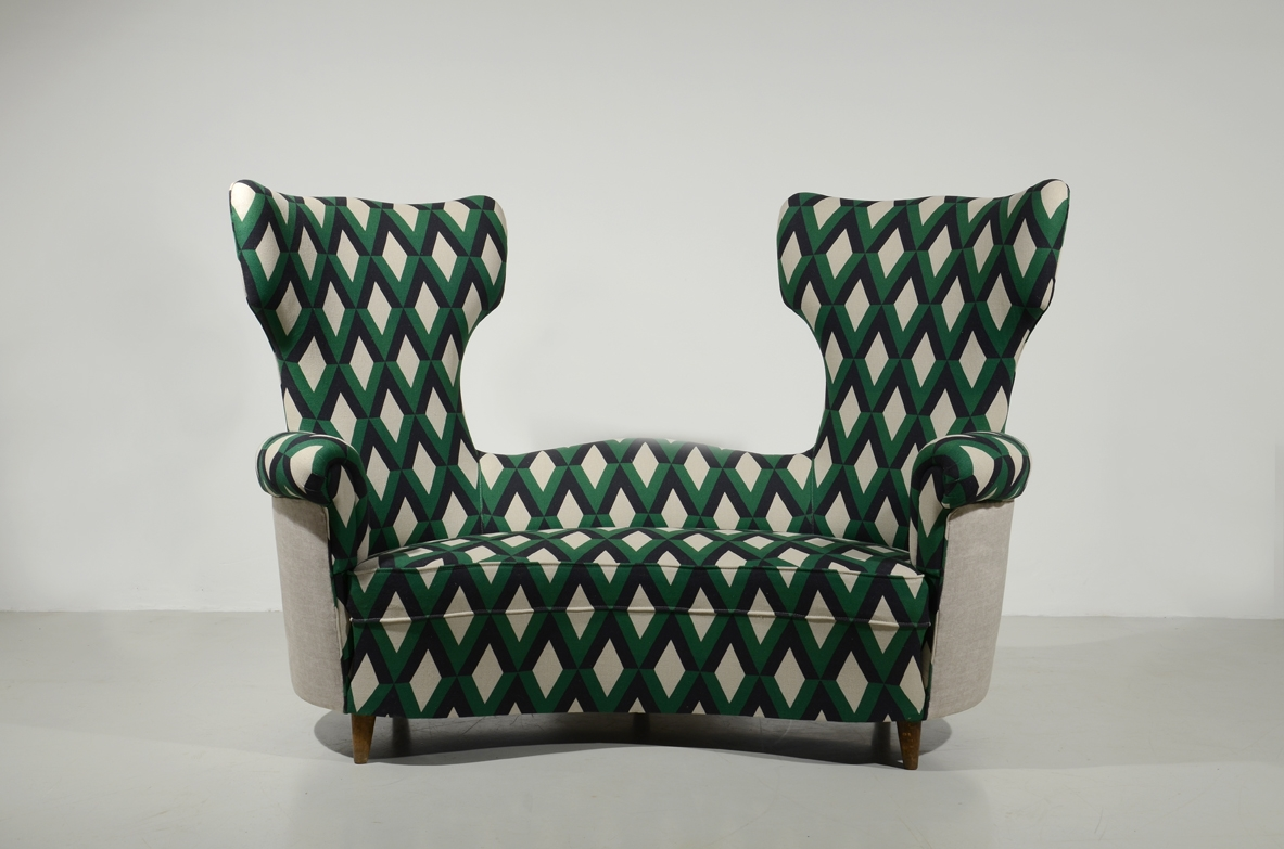 Maurizio Tempestini, original sofa with wooden structure and upholstered fabric cover.