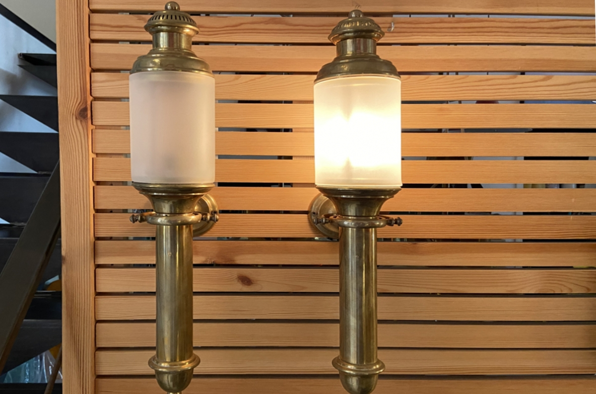 Pair of 1950's refined wall lights in brass and opaline glass coming from an important Italian sailing boat.